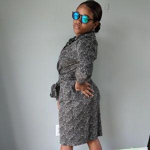 This Ann Taylor wrap dress size 8.